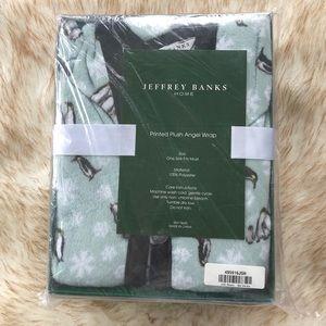 Jeffrey and Banks Printed Plush Angel Wrap